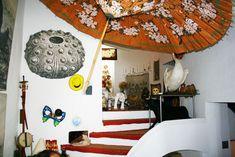 Google Image Result for http://blog.brillianttrips.com/wp-content/uploads/2011/05/salvador-dali-house-port-lligat.jpg