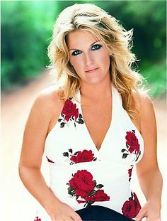My favorite female singer.  Love Love Love her voice!  Cookbook is good, too :)