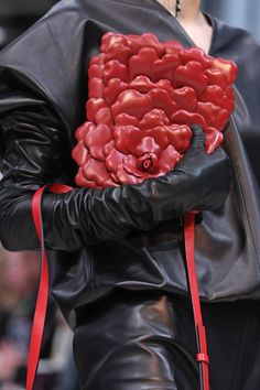 Pictures of the best fall 2020 designer bags at Milan Fashion Week. Edgy Shoes, Peter White, Best Bags, Ulla Johnson, New York Fashion, Milan Fashion, Proenza Schouler, My Bags, Fashion Handbags