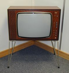 "Vintage Bush CTV1120 - Single Standard 625 Lines - 20"" Screen - Colour TV - I want one of these so bad!"