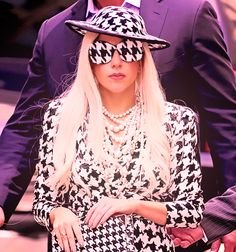 Dear lady gaga, I need this outfit for the national championship!! Please and Roll Tide
