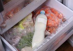 Noen ganger kjøper man inn for mye mat. Da er det greit å vite at egg og meieriprodukter, som melk og ost kan legges i fryseren.