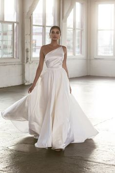 In you can expect wedding dresses to explore new territories of bridal fashion resulting in truly innovative and glamorous looks. Stunning Wedding Dresses, Beautiful Dresses, Summer Wedding, Dream Wedding, Wedding Goals, Bridal Style, Bridal Dresses, One Shoulder Wedding Dress, Marie
