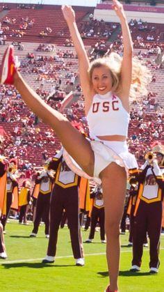 Best 7 Ruby Harrold is fucking hot when she splits her legs on the beam! College Cheerleading, Cheerleading Pictures, Cheerleading Outfits, College Football, Dallas Cheerleaders, Hottest Nfl Cheerleaders, Back Workout Women, Sexy Golf, Cheer Athletics