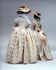 Robe à la Polonaise -- Circa 1775 -- British -- Silk -- The Costume Institute of The Metropolitan Museum of Art 18th Century Dress, 18th Century Costume, 18th Century Clothing, 18th Century Fashion, Vintage Outfits, Vintage Gowns, Vintage Mode, Vintage Fashion, Historical Costume