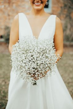 A Multi-Cultural Wedding In Winter Park, Florida #simpleweddingideas #bouquet #babysbreath