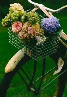 Bicycle with Flowers in baskets - Hydrangeas | Roses