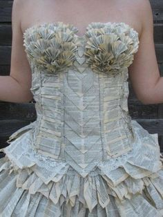 In case I need a paper dress. Not sure what board to pin this on? We'll go with crafts. Book Dress by Jorimo Paper Fashion, Fashion Art, Fashion Show, Fashion Design, Fashion Trends, Paper Clothes, Paper Dresses, Paper Dress Art, Recycled Dress