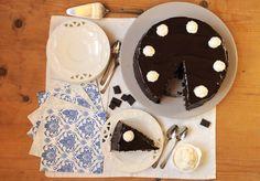 Ami il cioccolato? Prova la mud cake Bimby o Mississippi Mud Cake (torta di fango). La torta base perfetta da accompagnare con la panna montata