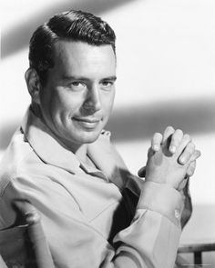 "John Forsythe ""Bachelor Father"" star of the show which ran from and aired on all three networks starting with CBS, then NBC and ending with ABC. It also starred Noreen Corcoran and Sammee Tong. Vintage Hollywood, Classic Hollywood, Hollywood Glamour, Bachelor Father, John Forsythe, Actor Secundario, Young John, Actor Studio, Old Movie Stars"