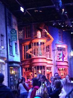 weasleys wizard wheezes Harry Potter Studios, Tours