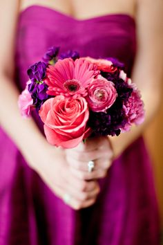 Bright corals and purples. Photography by ivy-weddings.com