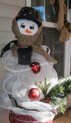 Snowman From Tomato Cages :: Hometalk