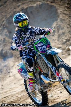 motocross always riding with the wind Motocross Love, Motocross Girls, Triumph Motorcycles, Custom Motorcycles, Dirt Bike Gear, Dirt Biking, Ski Doo, Bobbers, Biker Girl