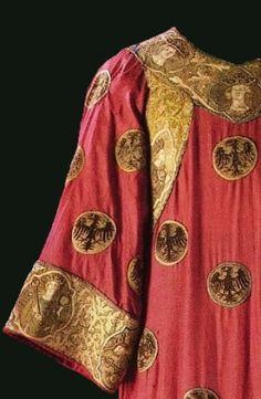 Detail from a late 13th/early 14th century tunic