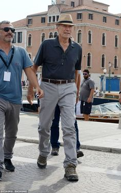 Clint Eastwood arrives on Venice set of The to Paris Clint Eastwood, Hollywood Stars, Old Hollywood, Victor Hugo, Celebrities Then And Now, Actrices Hollywood, Film Director, American Actors, Movies