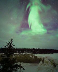 Angel In The Sky Through a window in the clouds Aurora Borealis (the Northern Lights) appear in a angelic form over winter landscape of northern Canada. Angel Pictures, Cool Pictures, Beautiful Pictures, All Nature, Amazing Nature, Beautiful Sky, Beautiful World, Angel Clouds, Ciel Nocturne
