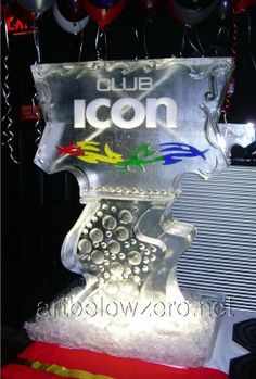Club Icon Double Luge ice sculpture