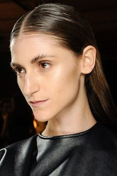 Looks like the messy brow is making a comeback on the catwalks.