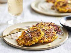Pompoenrösti - Libelle Lekker Hartige pannenkoekjes van pompoen. Foodies, Brunch, Pork, Meat, Recipes, Kale Stir Fry, Ripped Recipes, Pork Chops