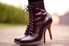 Resultado de imagen para botas dr martens mujer tacon
