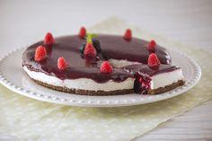 Cheesecake de frutos vermelhos Mini Cheesecake, Portuguese Desserts, Blondies, Cheesecakes, Tiramisu, Panna Cotta, Dessert Recipes, Favorite Recipes, Ethnic Recipes