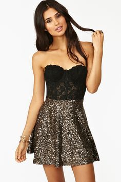 Sequin skirt. This would be a perfect new years dress... Ya know, for all of those New Year's Eve parties I'm not invited to...