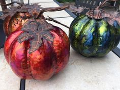 Alcohol inks on galvanized metal. Inked up pumpkins! [Video Tutorial] Alcohol inks on galvanized metal. Inked up pumpkins! Alcohol Ink Crafts, Alcohol Ink Painting, Alcohol Ink Art, Metal Pumpkins, Galvanized Metal, Art Challenge, Fall Crafts, Art Techniques, Halloween Decorations