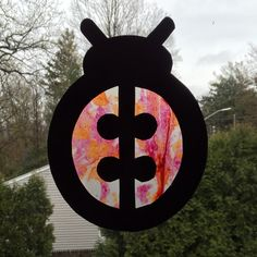 This Melted Crayon Stained Glass Window Cross Sun Catcher is a new version of a popular craft. This particular craft is a family project because the tools Making Stained Glass, Stained Glass Art, Pumpkin Patch Kids, Smash Glass, Insect Crafts, Popular Crafts, Rose Colored Glasses, Easy Crafts For Kids, Simple Crafts