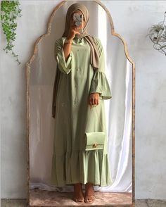 Likes, 8 Comments - ᕼIᒍᗩᗷ Hijab Style Dress, Modest Fashion Hijab, Modern Hijab Fashion, Hijab Look, Hijab Fashion Inspiration, Abaya Fashion, Muslim Fashion, Modest Outfits Muslim, Fashion Dresses