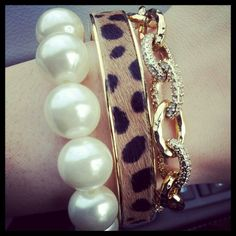 Preppy perfection with the Stella & Dot Christina Link Bracelet.