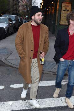 Jonah Hill wearing and Saint Laurent Sneakers Jonah Hill, Sperrys Men, Celebrity Outfits, Celebrity Crush, Celebrity Photos, American Eagle Men, Under Armour Men, Adidas Men, Men Dress