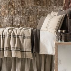 "Country chic! Say, ""I duvet!"" to our durable, rustic linen bedcover in a versatile coffee-and-toast color palette."