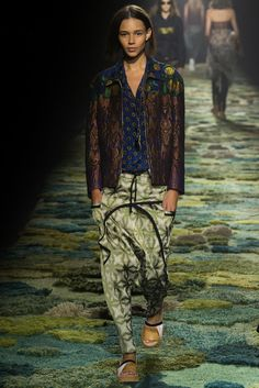 Dries Van Noten Spring 2015 Ready-to-Wear - Collection - Gallery - Style.com (seaming on pants)