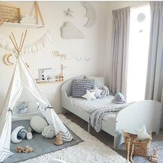 Jett's new big boy bed 💞 Enjoy your evening babes💫 #greyandwhite #toddlerroom #jettsroom #ikea #hopefullyhesleepsinthisbed #interiordecor…