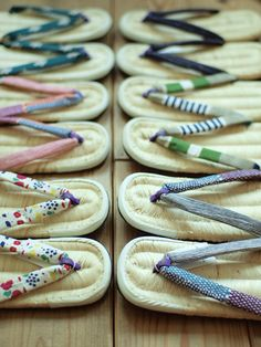Zori - Japanese sandals made of rice straw or other plant fibers. Japanese Kimono, Japanese Art, Japanese Colors, Cheap Vinyl, Visit Japan, Japanese Architecture, Nihon, Yukata, Okinawa