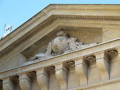 Porte de l'ancien Grenier à sel (1775) - Compiègne - Ledoux