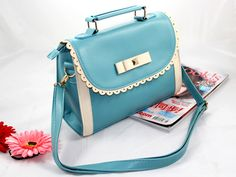 (FL004638) 2012 Spring And Summer New Arrival/ Fashion Messenger Bags/vivi Hollow Lace Shoulder Messenger Handbag- How sweet is this?
