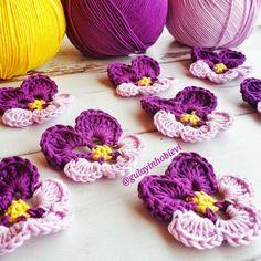GÜLAYIN HOBİ EVİ: SİHİRLİ HALKA YAPIYORUZ Crochet Flower Patterns, Crochet Motif, Crochet Yarn, Crochet Flowers, Weaving Projects, Crochet Projects, Magic Ring Crochet, Kids Headbands, Blanket Yarn