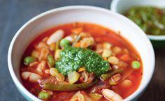 Sopa de feijão branco e vegetais Rachel Khoo