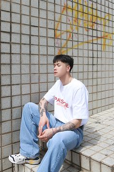 Korean Outfit Street Styles, Asian Street Style, Korean Outfits, Korea Hair Style Men, Gents Hair Style, Vintage Summer Outfits, Korean Men Hairstyle, Hair Cutting Techniques, Mode Ulzzang