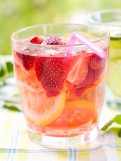 4 strawberries 1 lemon 1-2 c. water a sprig of mint stevia to taste  Puree strawberries and mint in a small food processor. Cut lemon in halves and juice into a large glass. Stir in strawberry mixture, add water and stevia to taste. Chill before drinking.