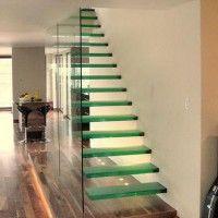 scala moderna in vetro abitazione