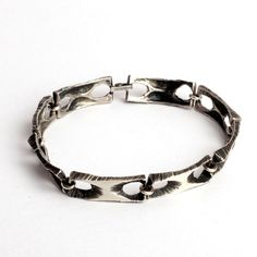 Sten & Laine, vintage sterling hopeaa, 1973. Suomi Ring Bracelet, Ring Necklace, Cuff Bracelets, Earrings, Ring Armband, Anklets, Sterling Silver Bracelets, Finland, Metal Working
