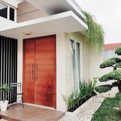 taman minimalis depan rumah Home Room Design, Home Design Plans, Indoor Zen Garden, Minimal House Design, Aesthetic Rooms, House Entrance, Bali, Facade House, House Layouts