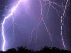 Garth Brooks (Thunder Rolls)