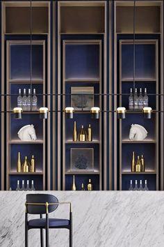 时光旅人的魔法 南京金地新力都会学府 | 矩阵纵横-建e室内设计网-设计案例 Home Ceiling, Ceiling Decor, Ceiling Design, Rack Design, Shelf Design, Cabinet Design, Back Bar Design, Chinese Tea Room, Chinese Interior