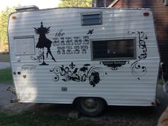 Vintage camper as The Birds Nest-Boutique on Wheels