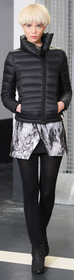 Paris fashion tips (updated article) - http://www.boomerinas.com/2012/07/28/parisian-women-over-40-50-60-details-to-set-their-style-apart/