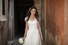 A beautiful #bride #portrait  #weddinginitaly #Venice #weddingdress